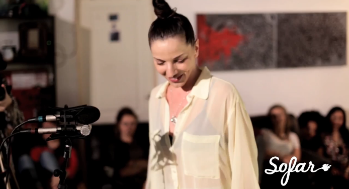 "Ayah Marar Performs A Live Acoustic Version Of ""Thinking About You"" For Sofar Sounds"