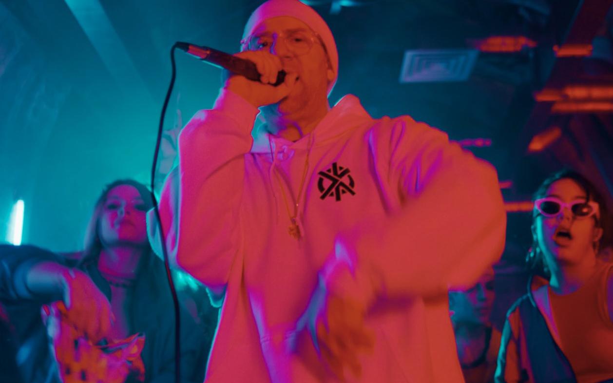 """snow """"informer 2018"""" music video snow """"informer 2018""""(official video) roton music radikal records reggae dance music audiofreaks"""
